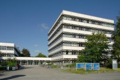Institutsgebäude